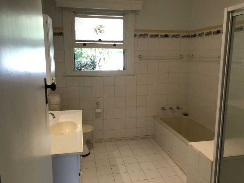 Private Rentals: 13 Taylor Street, Narooma, NSW 2546