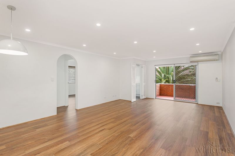 STUNNING RENOVATED APARTMENT WITH LEAFY ASPECT