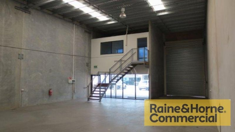 189sqm Industrial Unit with Air Conditioned Office
