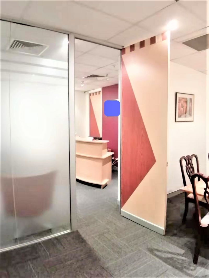 PROFESSIONAL OFFICE IN PRIME HAYMARKET LOCATION!