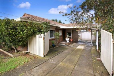 Family Comfort In A Peaceful Court Setting on 581sqm approx