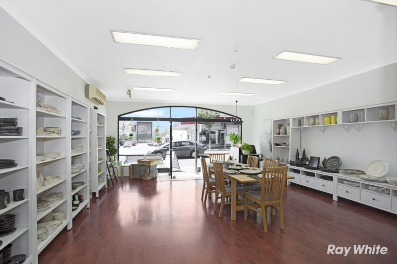 Fantastic Retail / Office Space - What an Opportunity!