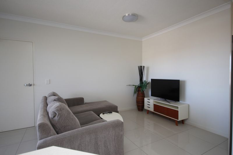 FULLY FURNISHED WITHIN - BRISBANE STATE CATCHMENT, CLOSE TO CBD AND UNI'S