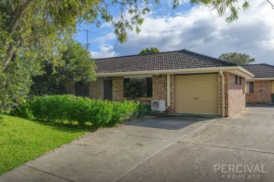 Central Unit - Walk to Shopping, Clubs & Riverfront