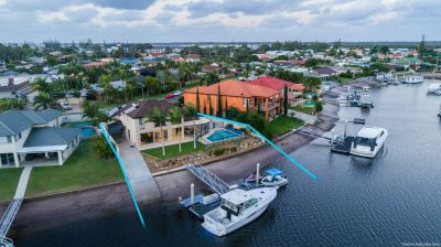 Interstate Owner Liquidates Delightful Family Residence with Wide Water Frontage