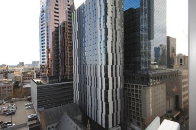 The Carlson: Fantastic Two Bedroom Apartment in the Heart of Melbourne! L/B