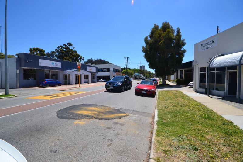 Exposure, competitive rent, free onsite parking, fitout, 3km to CBD – What more could you want!!