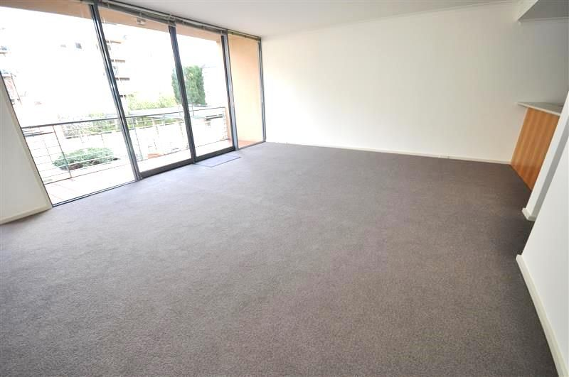 Southbank Royale: Immaculate Two Bedroom Apartment in Stunning Southbank!
