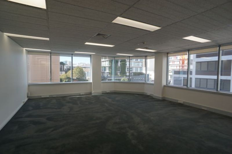 OPEN PLAN CORNER OFFICE WITH GREAT NATURAL LIGHT