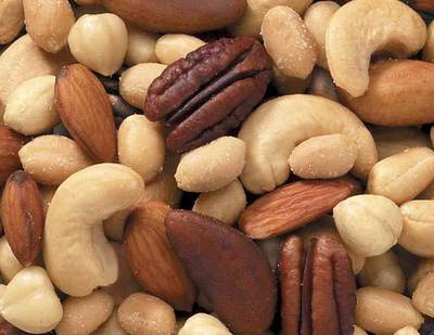 Good Earner Nut Shop Located in Prime Position - Ref: 11030