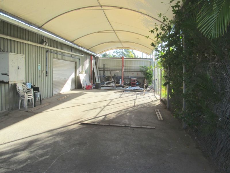 270m2* WAREHOUSE WITH 300m2* YARD & MORE
