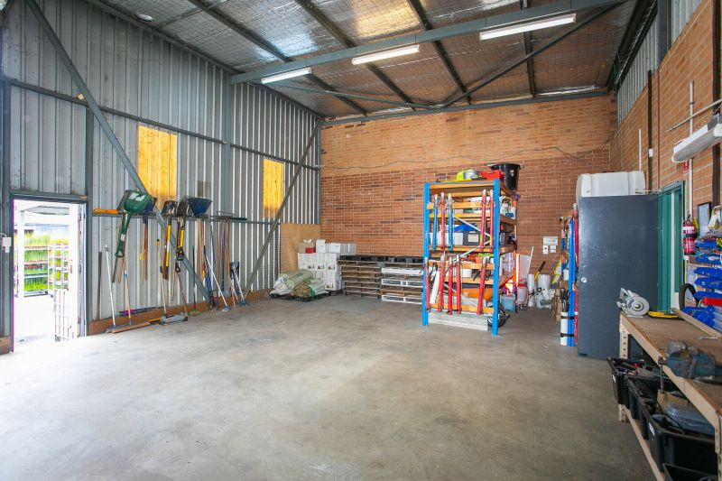 Inner City / Western Suburbs Warehouse & HUGE Yard