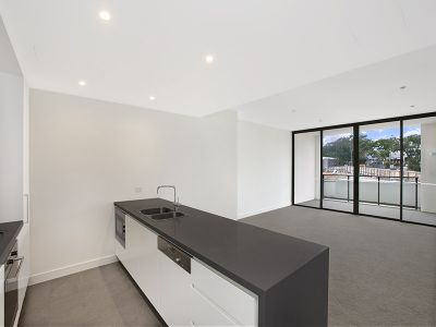 Light-filled 2-Bedroom apartment in highly sought after Harold Park