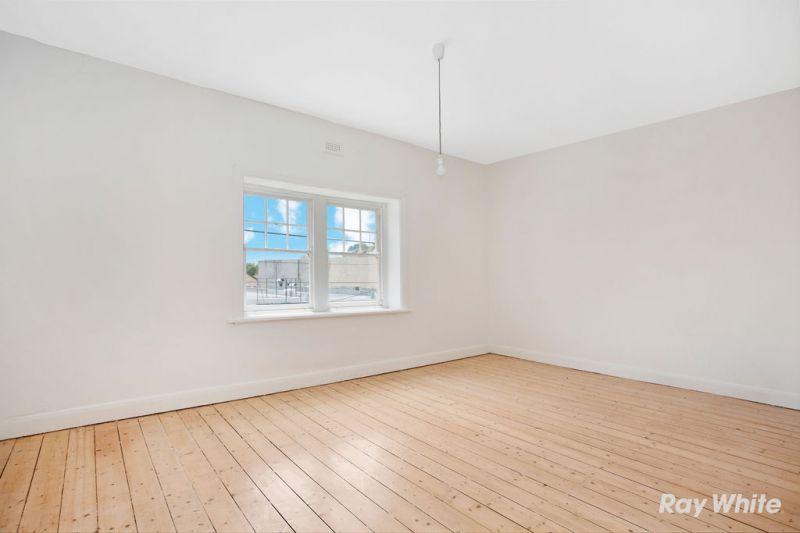 Renovated Retail / Office plus 3 B/R Residence