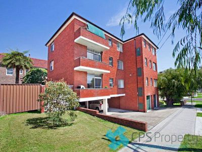 BRIGHT UPDATED TWO BEDROOM  RESIDENCE IN BOUTIQUE SECURITY BLOCK