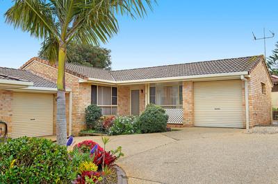 Sunny Villa Home With A Backyard