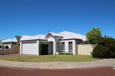 Family home in beautiful Port Geographe ready to move in