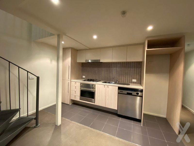 PRIVATE INSPECTION AVAILABLE - Loft Style Living!  - CAR PARK AVALIABLE ON SEPERATE LEASE!