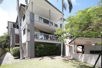 FABULOUS UNIT NEAR TOOWONG VILLAGE!