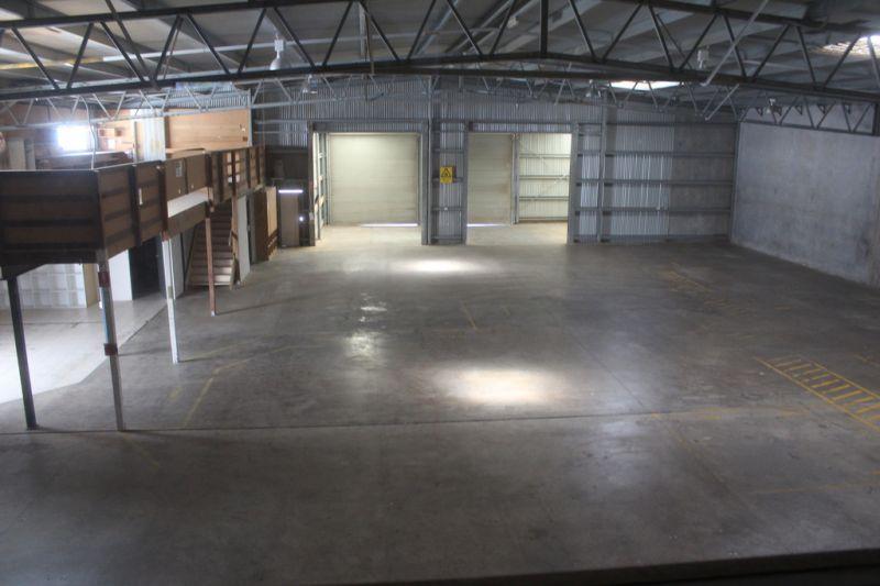 Premium Clear-Span Warehouse