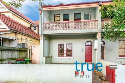 = HOLDING DEPOSIT RECEIVED = PRIVATE LEAFY YARD - LOCATED IN THE HEART OF ERSKINEVILLE VILLAGE