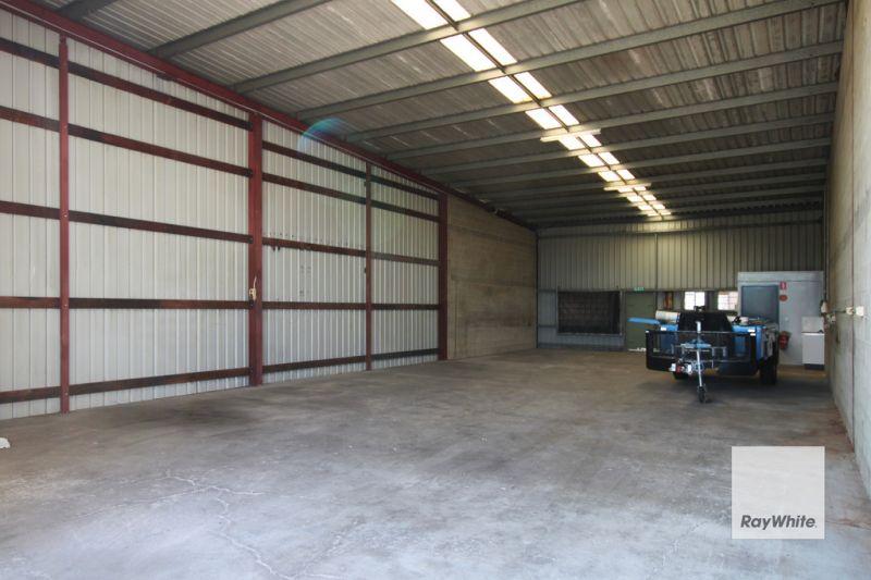 Joining 175 sqm warehouses on Moonbi Street