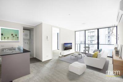 Bay Views and Sleek Southbank Style