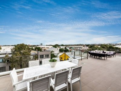 ALEXANDRIA'S FINEST - FOUR BEDROOM PENTHOUSE WITH CITY & DISTRICT VIEWS - AUCTION: SAT 19 JULY