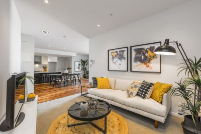 Affluence and opulence in the Maribyrnong River precinct
