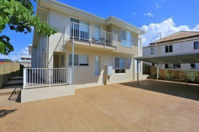 CENTRAL TOWNHOUSE, WALKING DISTANCE TO THE CBD!