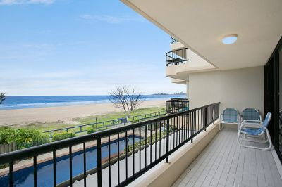 The perfect Beachfront Weekender!
