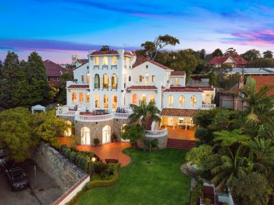Alcooringa - Old World Glamour and Luxury with Panoramic Harbour Views