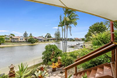 Impeccably Presented Waterfront Abode