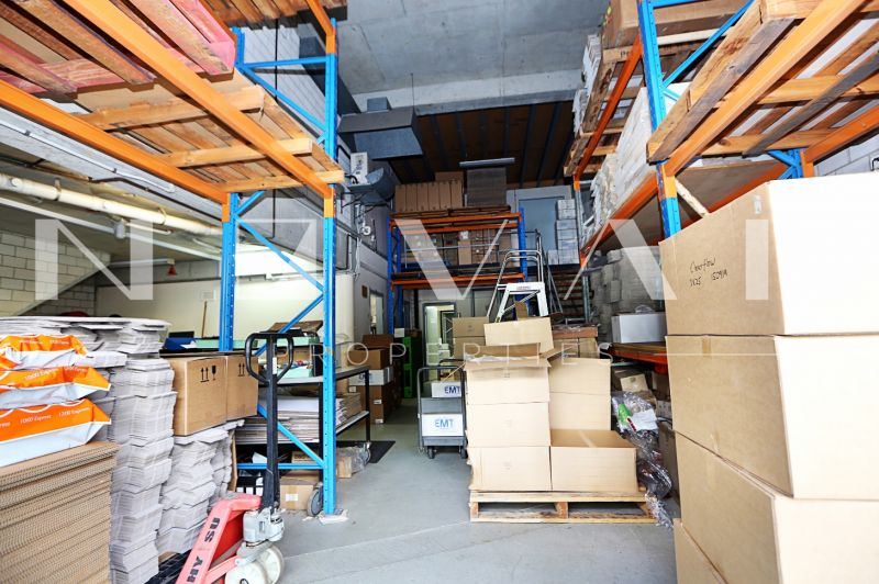 OUTSTANDING WAREHOUSE/FACTORY + OFFICE SPACES   FOR LEASE