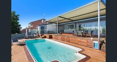 Luxurious Modern Oasis