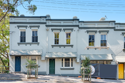 Renovated 3 level Victorian terrace