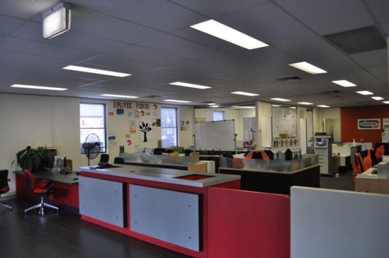 WELL PRESENTED OFFICE / WAREHOUSE UNIT