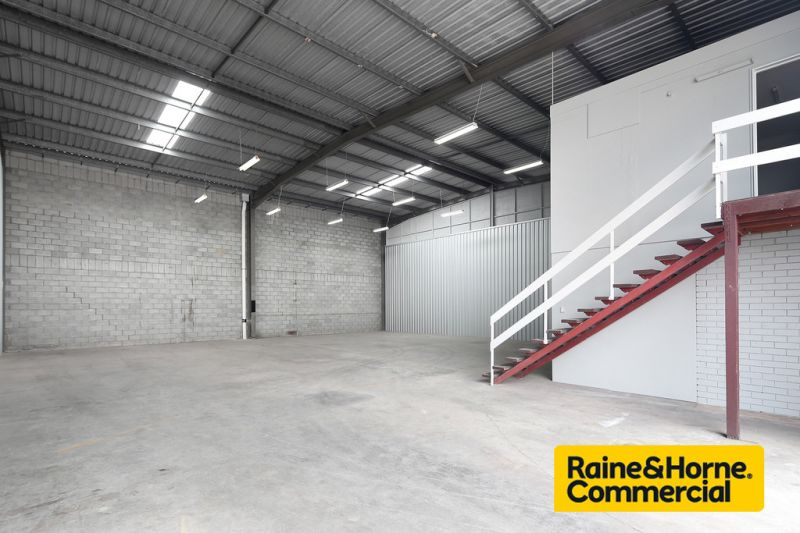 Highbay Warehouse - Sizes available from 260sqm - 565sqm