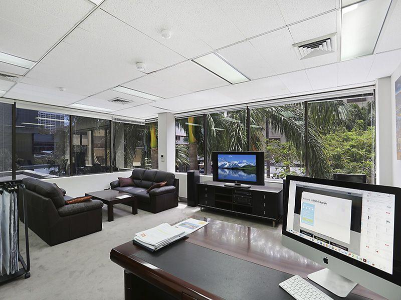 Cavill Avenue CBD Offices