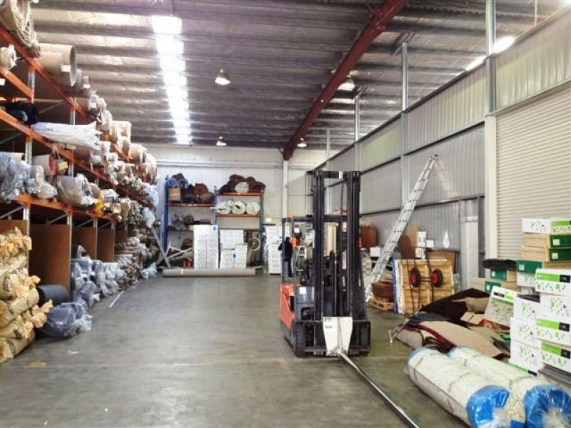 QUALITY OFFICE/WAREHOUSE/RETAIL/BULKY GOODS APPROVED PROPERTY
