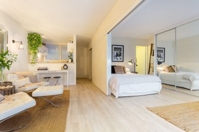 Tastefully Renovated Chic New Farm Apartment!