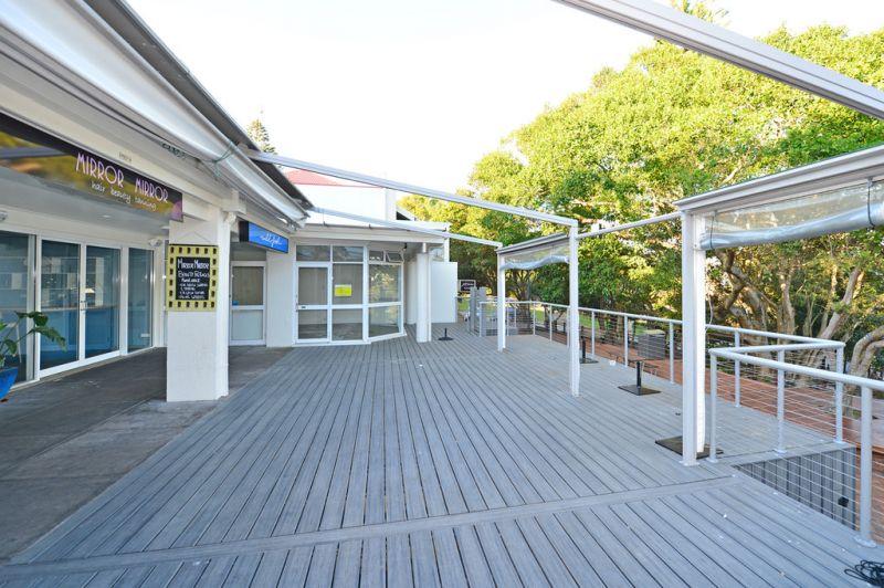Sunshine Beach Restaurant / Bar