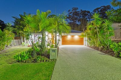 MODERN ENTERTAINER BACKING ONTO A PRIVATE RESERVE