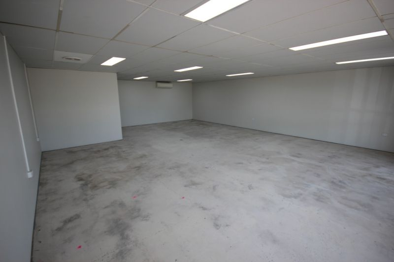 Stand out in this Charters Towers Road tenancy