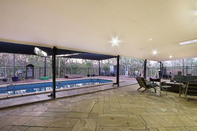 Acreage, Dual Living Op, Huge Insulated Shed and Pool!