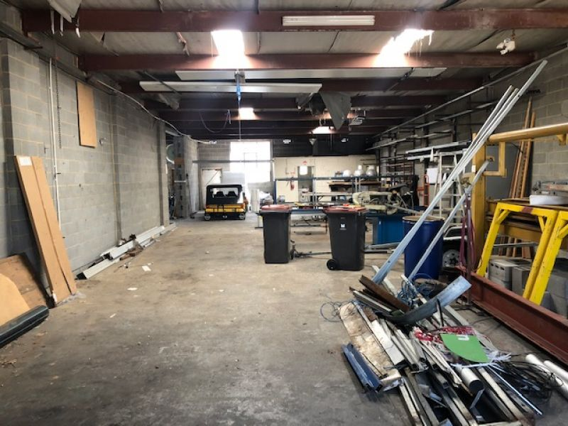 PERFECT STARTER – FACTORY / WAREHOUSE WITH STREET FRONTAGE!