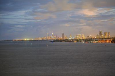 Stunning Views from Top Floor Apartment - Owner Demands Sale