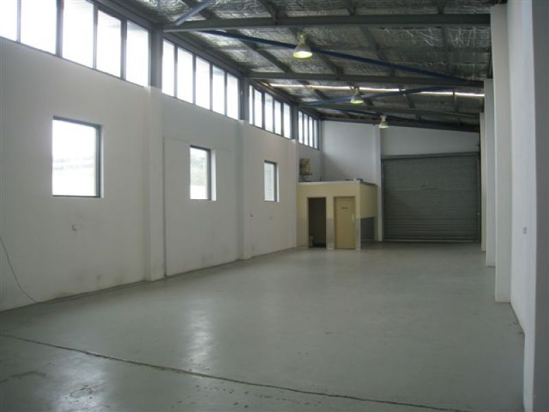 GREAT OPPORTUNITY  - MODERN FREESTANDING BUILDING