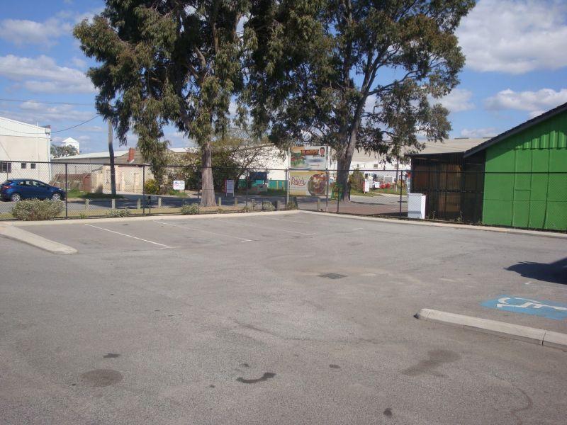 OFFICE / WAREHOUSE - 2 STREET ACCESS