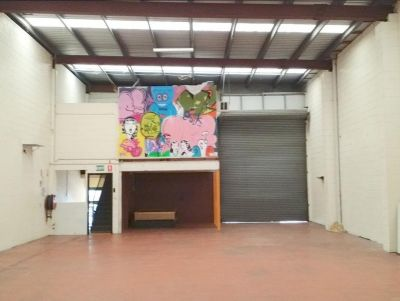 TIDY WELL PRICED GABBA OFFICE/WAREHOUSE.